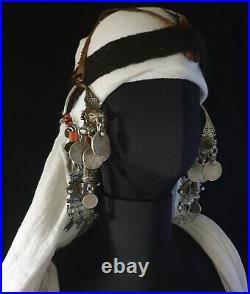 Morocco Rare Pair of large buckles Parure of temple, Akhsass in silver, coral