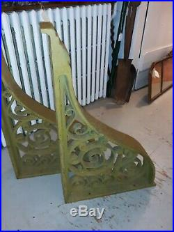 Pair Very Large Antique Cast Iron Architectural Salvage Brackets